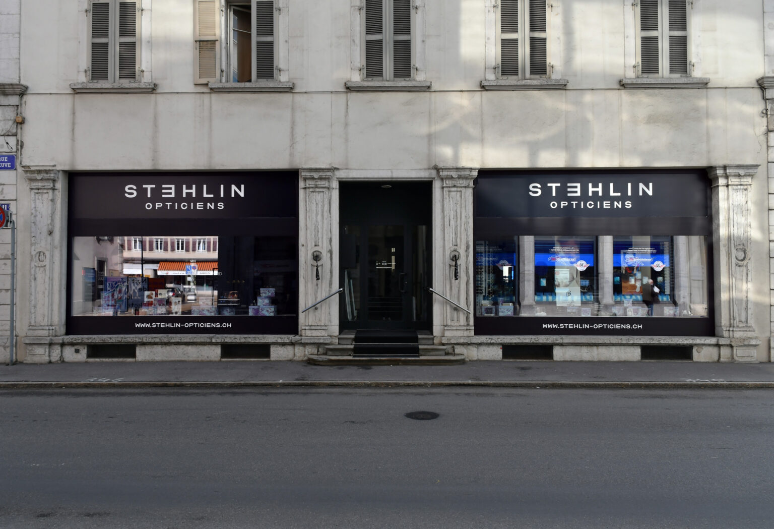 SUPERO_STEHLIN_VITRINE_D50_4200